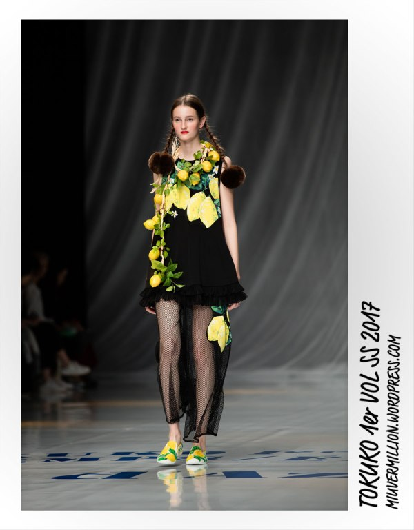 Tokuko 1er Vol - SS 2017 - Amazon Fashion Week Tokyo | Photographed by Miu Vermillion
