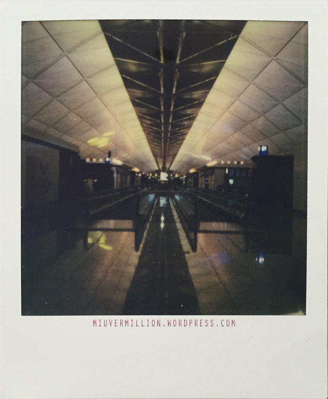 miu-vermillion_3am_at_the_airport_impossible-project-i-1-camera_600-film_001